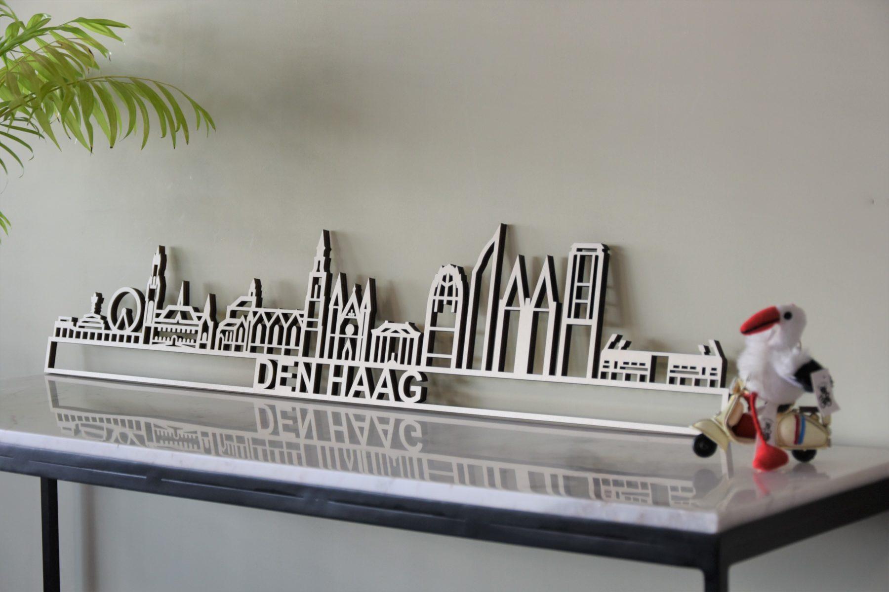 Skyline Den haag hout met stadion
