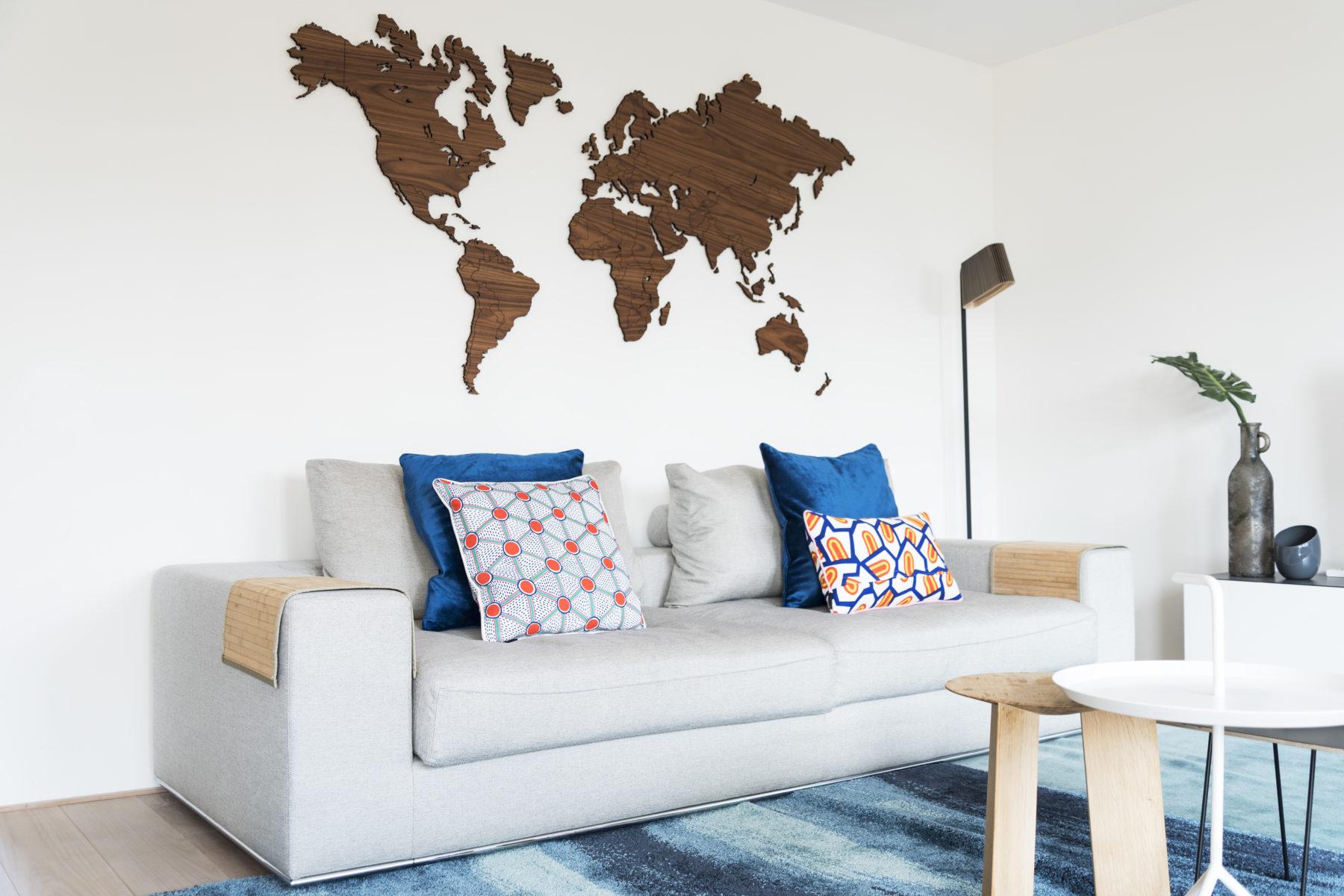 houten wereldkaart walnoot