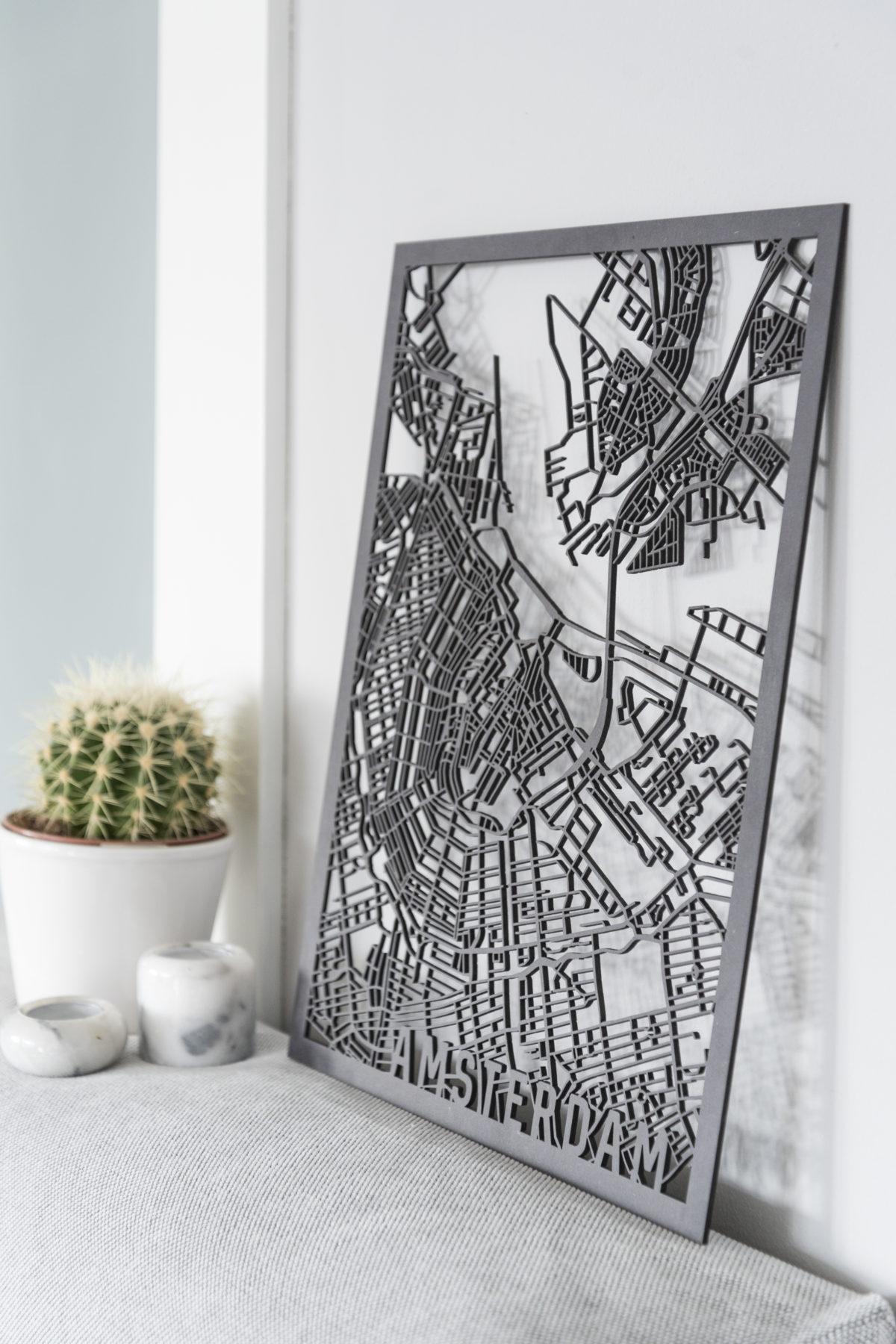 Amsterdam stadskaart zwart hout