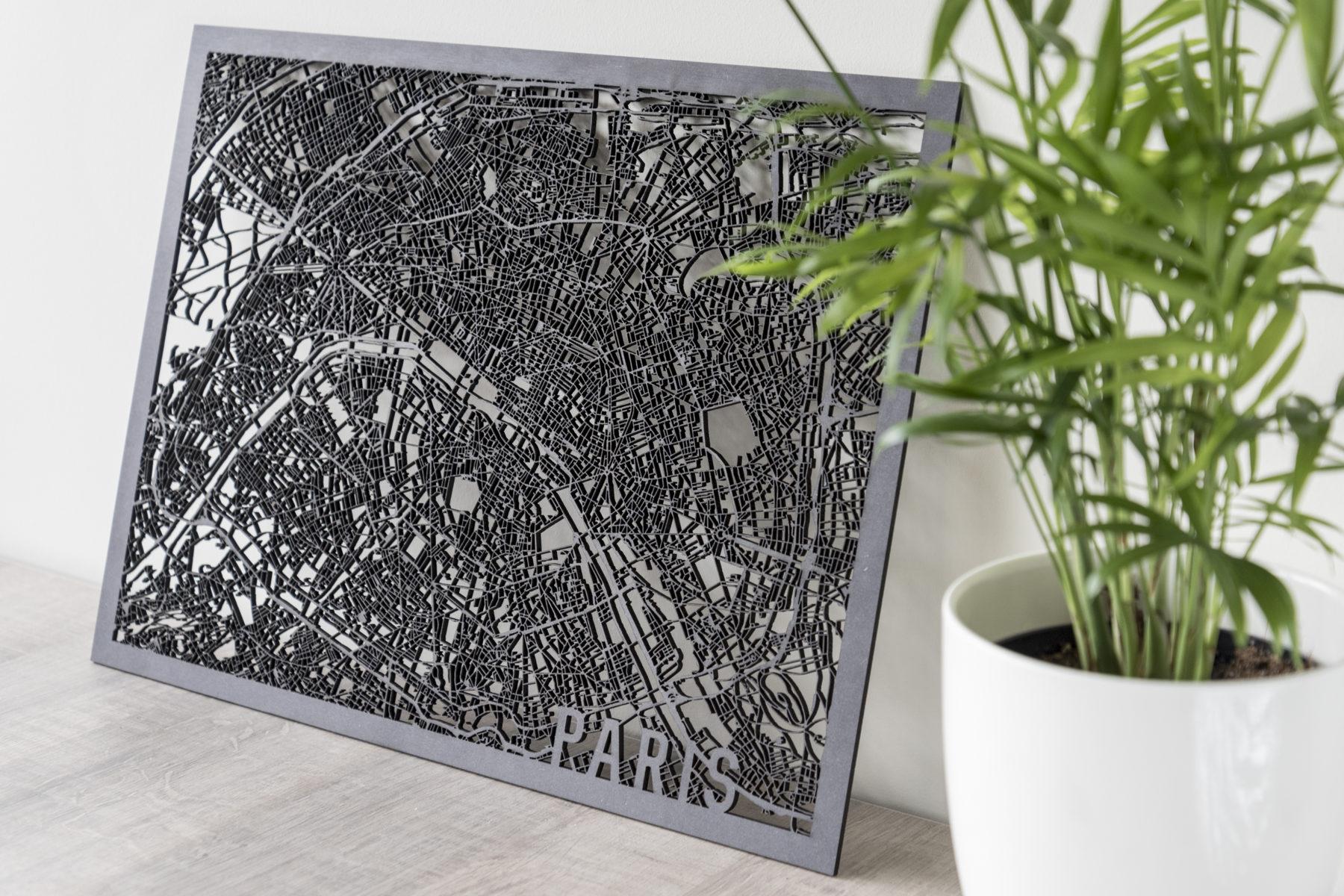 Houten stadskaart Paris zwart