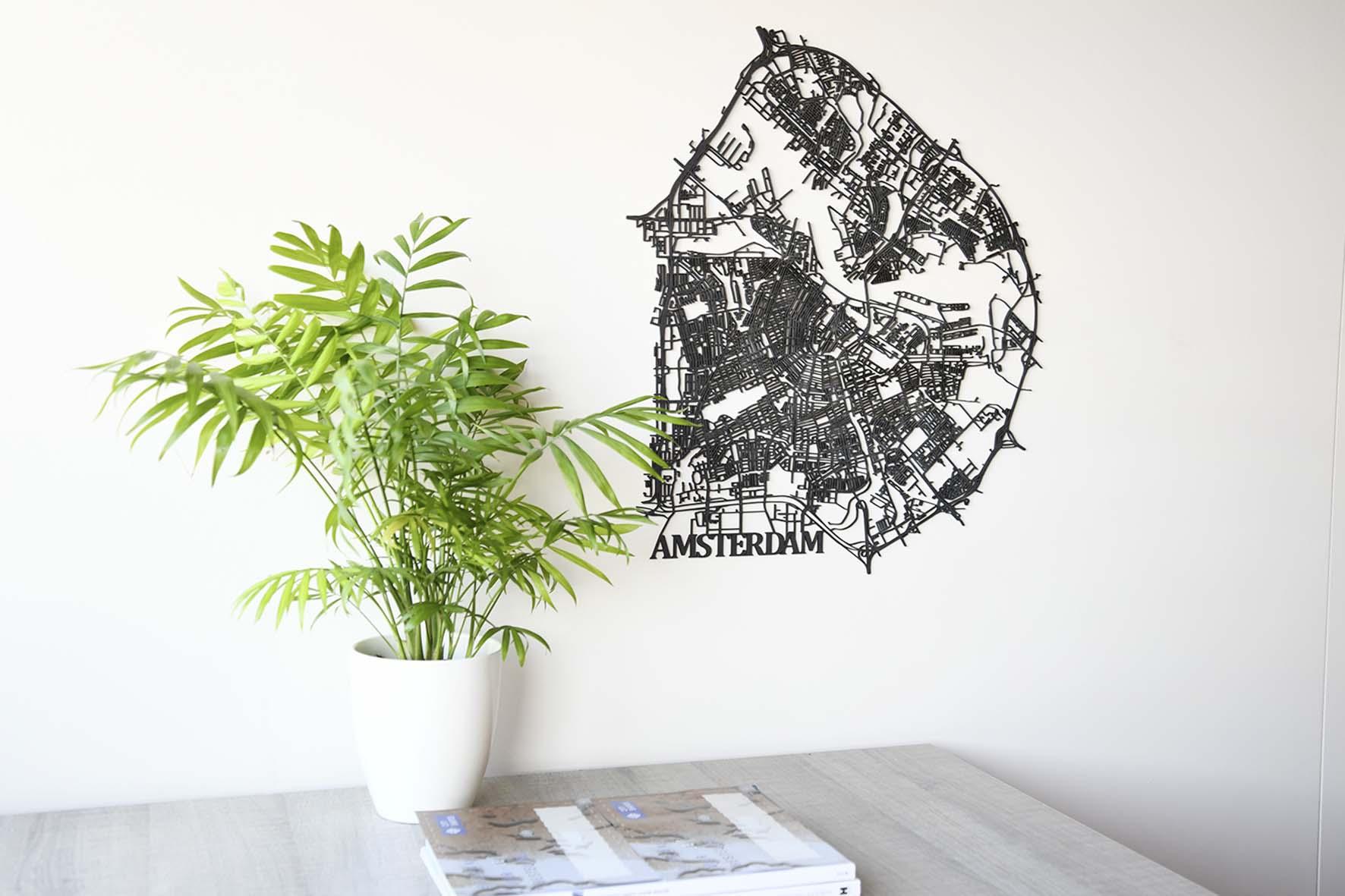 Houten stadskaart Amsterdam zwart