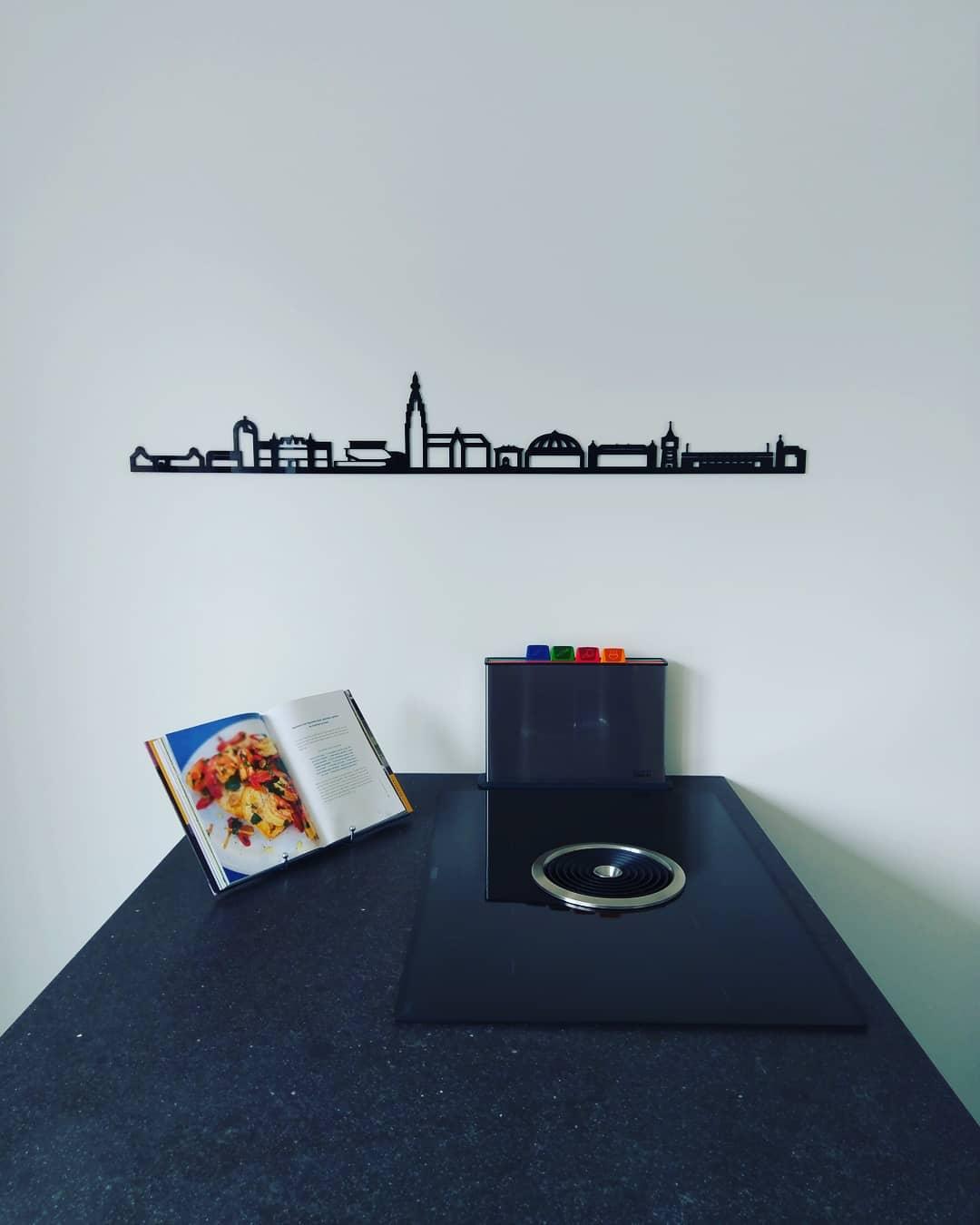 Breda 95cm zwart kunststof zonder tekst