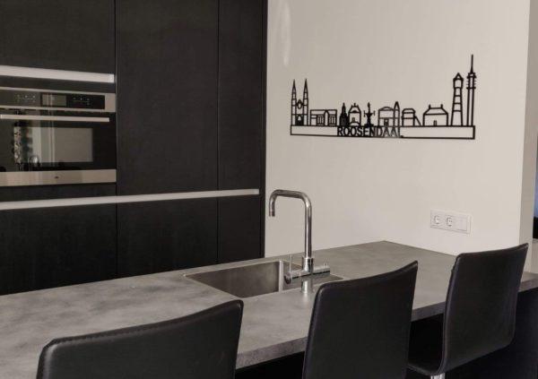 Skyline Roosendaal zwart kunststof
