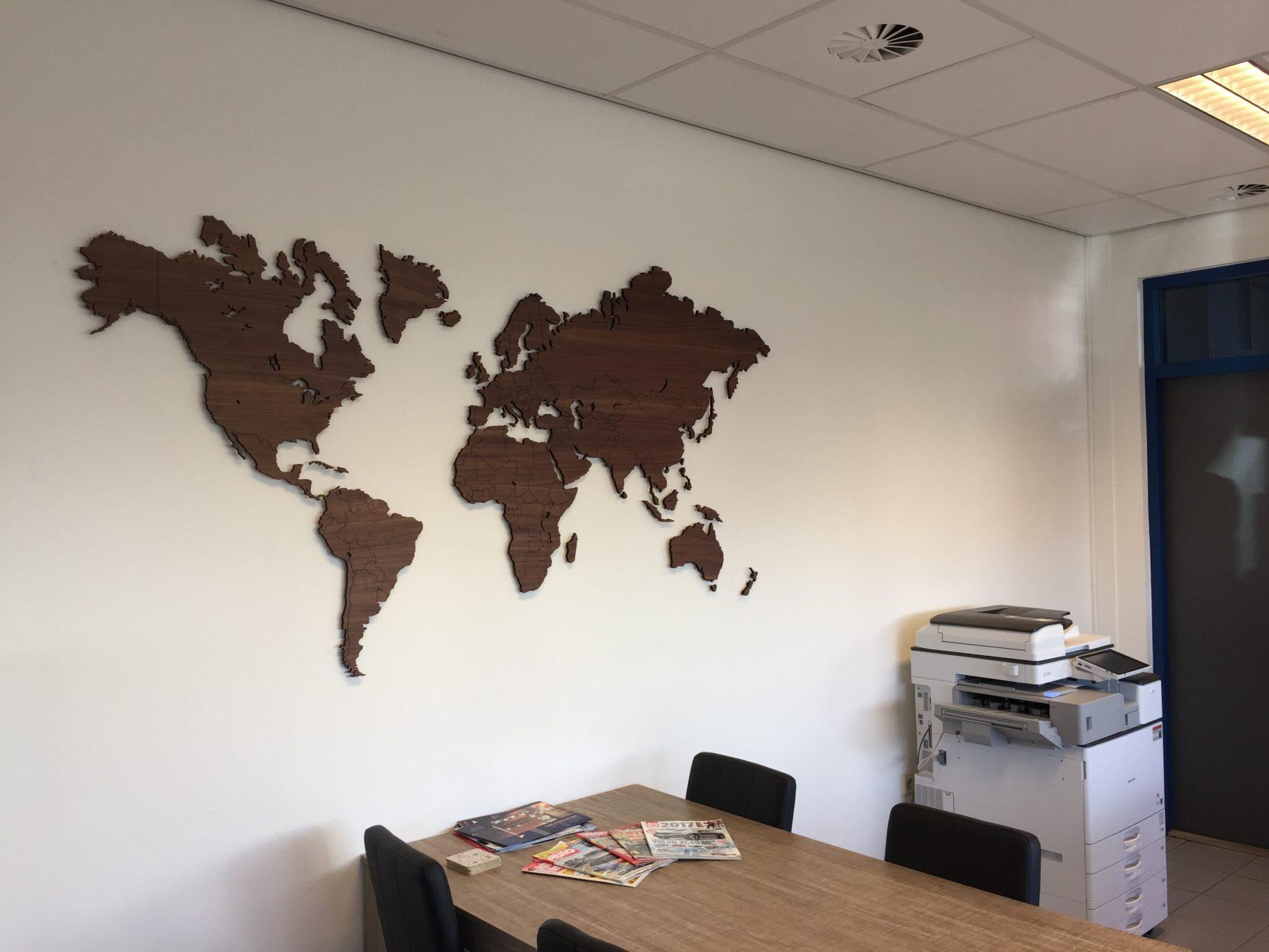 Wereldkaart noten groot