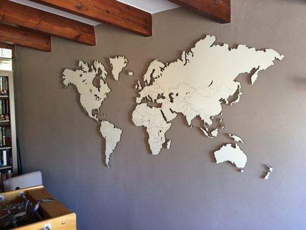 Houten wereldkaart populieren