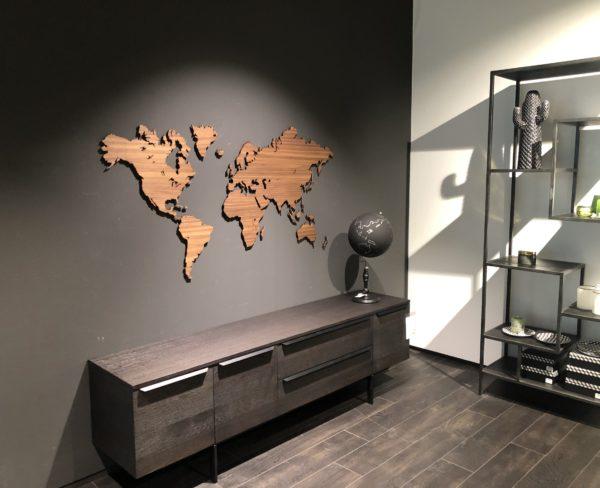 Noten houten wereldkaart klein