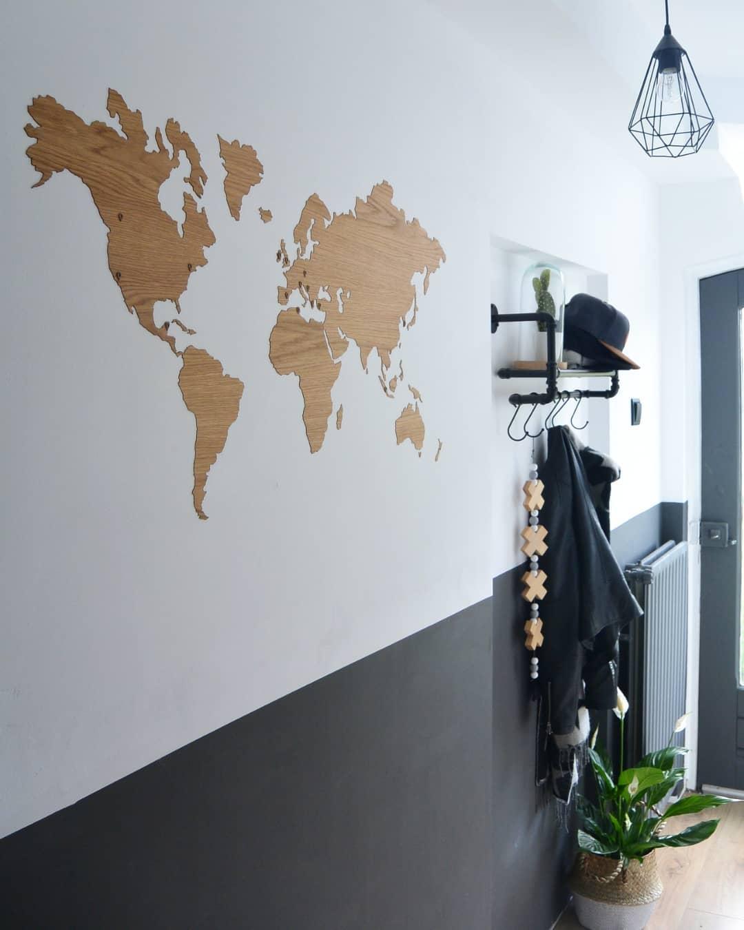 Wereldkaart eiken sticker